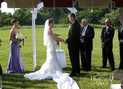 Harpole's Heartland Lodge bride and groom