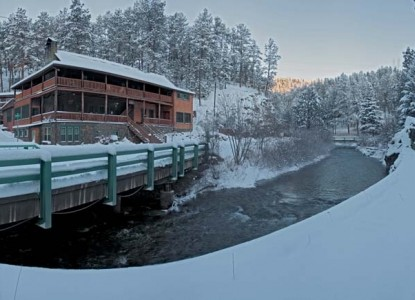 Hisega Lodge inn when snowy