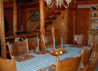 Pole Creek Ranch, dining table