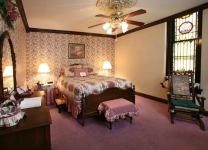 Beverly Rose Whirlpool Room