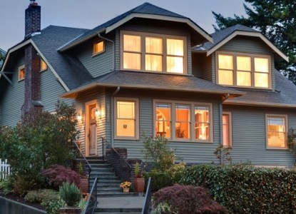 1920 Craftsman style inn located across the street from Green Lake Park, in one of Seattle's most beloved neighborhoods.