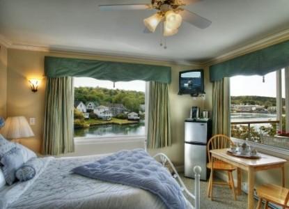 Harborage Inn on the Oceanfront Honeymoon Suite