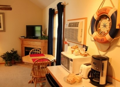 Quaint cottages in the heart of Amish country and within walking distance to Berlin shops, close to local attractions.
