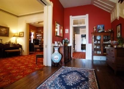 Kaleidoscope Inn and Gardens-Hallway