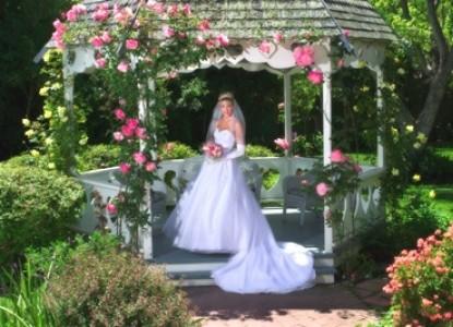 Kaleidoscope Inn and Gardens-Bride