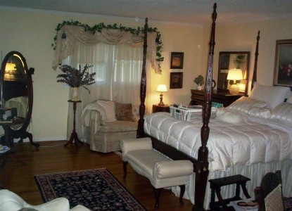 The Shaw House Bed and Breakfast, bedroom