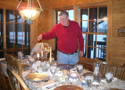 Quigley's Log Home B&B dining table