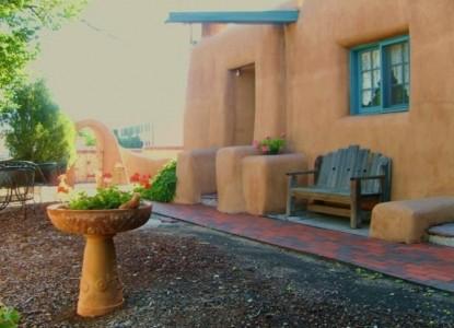 Pueblo Bonito Bed & Breakfast bench