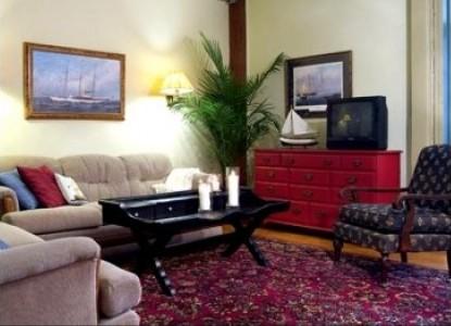 Captain Stannard House Country Inn-Gathering Room