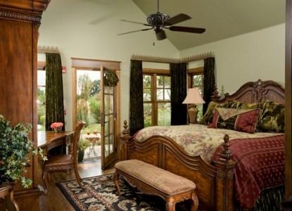 Inn on Lake Granbury Rios Brazos Room