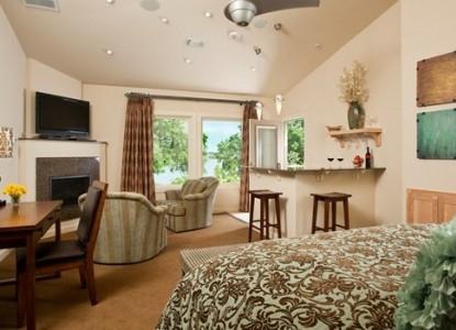 Inn on Lake Granbury Lakeview Suite