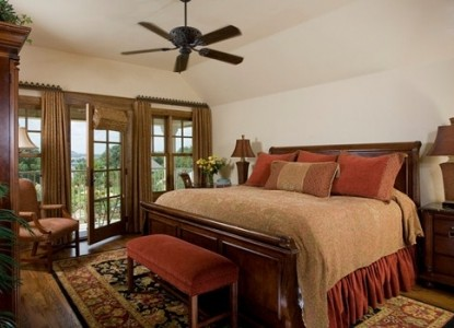 Inn on Lake Granbury Comanche Peak Room