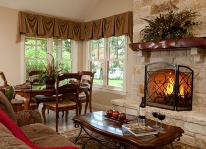 Inn on Lake Granbury fireplace