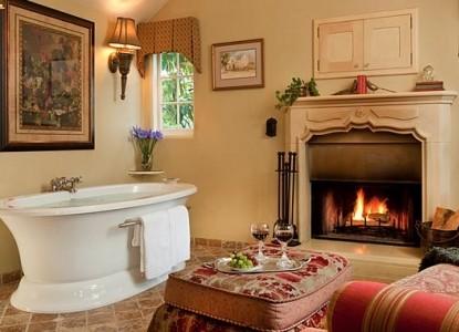 Old Monterey Inn bath tub