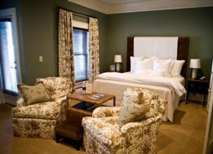 The James Madison Inn & Conference Center-Luxury King Bedroom