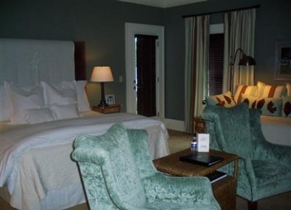 The James Madison Inn & Conference Center-King & Daybed