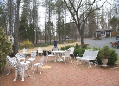 Ebenezer House Bed and Breakfast patio furniture