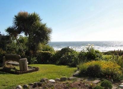 Casa Rubio Oceanfront Lodging, ocean shore