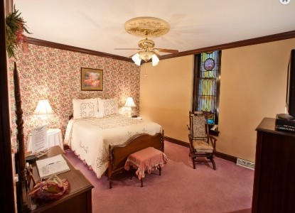 Beverly Junior Jacuzzi Room