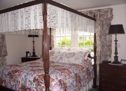 Dutch Colonial Inn Bed and Breakfast Guest Rooms