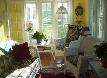 Dutch Colonial Inn Bed and Breakfast Sun Porch