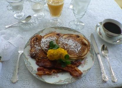 Duck Smith House pankcake breakfast