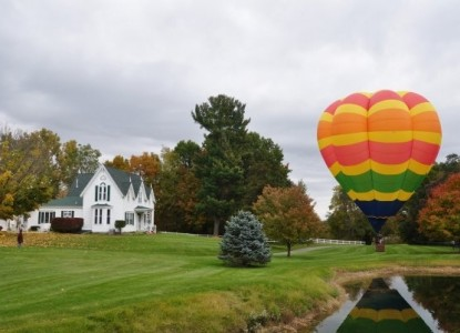 Allegan Country Inn-Hot Air Balloon