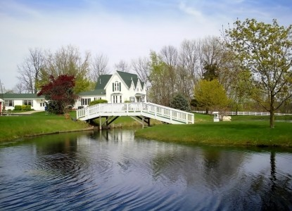Allegan Country Inn-Summer