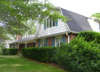Two colonial homes located on 1800 acres just north of Lincoln! Hear the snow, watch the birds, 'listen' to the country.