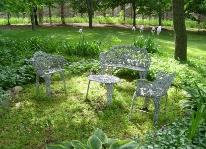 Pine Crest Farms Bed Breakfast outdoor seating