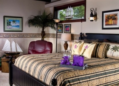 Baywood Shores Bed & Breakfast-Captain's Quarters Bed