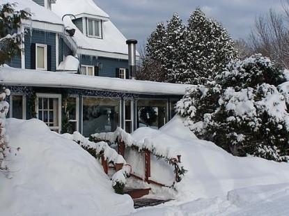The Darby Field Inn & Restaurant, Snow Scene