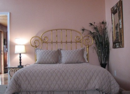 The Rose of the Lake, the Tuscan rose room