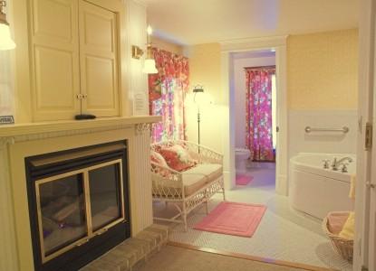 White Lace Inn Bed & Breakfast room 4