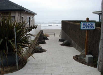 Brey House Oceanview Bed and Breakfast Inn - Lincoln City, Oregon, Beach Access