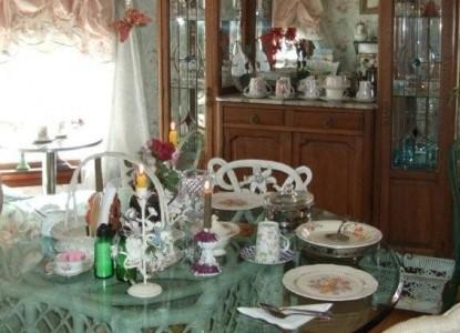 Enchanted Nights Bed & Breakfast-Breakfast Table