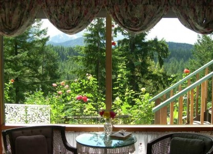 The Roaring River Bed & Breakfast-View