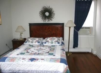 The Sandcastle Inn - single bed