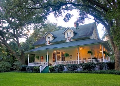 Magnolia Springs Bed & Breakfast evening photo of inn