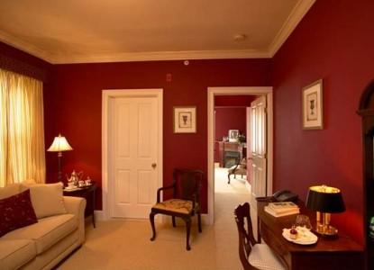 The Almondy Inn Bed & Breakfast, Burgundy Suite