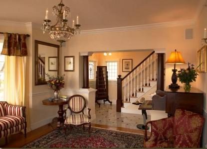 The Almondy Inn Bed & Breakfast, Foyer
