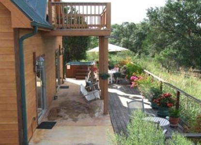 Prow'd House Bed & Breakfast, panorama of Hill Country views