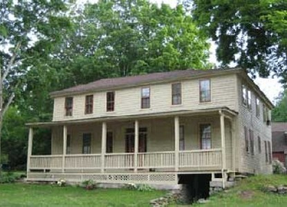 Captain Grant's, 1754 Stage Coach Inn