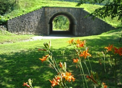 Burr Oaks Bed and Breakfast tunnel with flowers