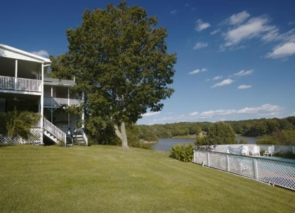 Maple Hill Bed & Breakfast-Beautiful Lake View