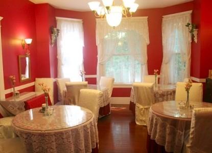 The Inn at Norwood Bed & Breakfast breakfast room