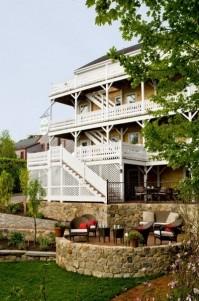 The Veranda House, exterior