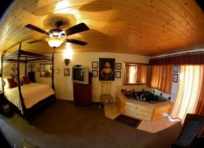 Echo Canyon Spa Resort Bed and Breakfast, Marilyn Monroe Boudoir