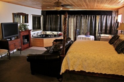 Echo Canyon Spa Resort Bed and Breakfast Chilton's Hideaway