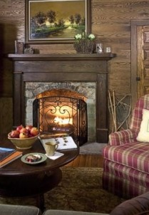 The Buck House Inn on Bald Mountain Creek-Fireplace